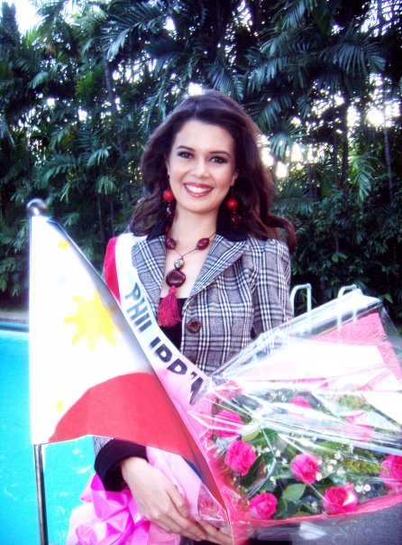 Melody Gersbach off to Miss International 2009!!!  Photo by Eton Bonifacio