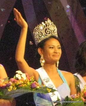 Bb Pilipinas World 2010 Czarina Gatbondon on the night she won!