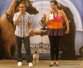L-R, Dr. Joseph Palarca, Ramses the Chi and the blogging beauty queen!