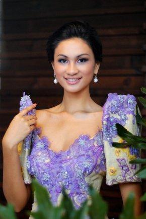Yvette Marie Santiago in Filipiniana