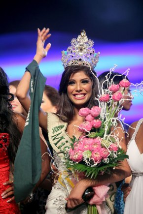 Congratulations to Nicole Faria of India our new Miss Earth 2010!!!