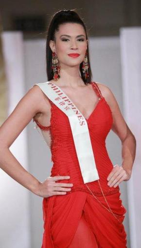 Miss World Philippines 2011 Gwendoline Ruais uses the power of red AGAIN - she wore a red  gown (with black spots) when she won Miss World Philippines.