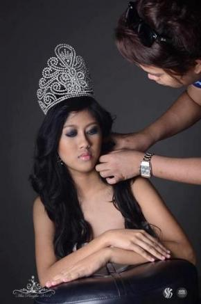 Reigning Miss Panglao 2011 Judith Anne Cruz, top candidate for Class Valedictorian & school paper Editor-in-Chief...Beauty, Brains AND Breeding!