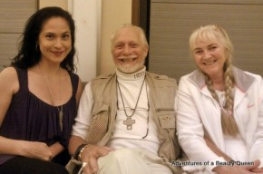 The Blogging Beauty Queen (left) with Narnia Producer Douglas Gresham and his beautiful wife Mary... I am SUCH a FAN!