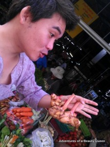 Tom shows us Galangal, a special Ginger root that is often used in authentic Thai Curry