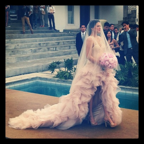 Miss International 2005 Lara Quigaman in her weeding gown by Veejay Floresca wedding gown
