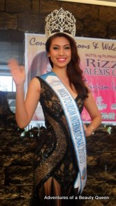 The dazzling Rizzini Alexis Gomez gives a beauty queen wave!