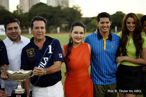 In orange is the stunning Chris Albert, queen of FILA with Borgy Manotoc (in blue) and the lovely Georgina Wilson (right)...