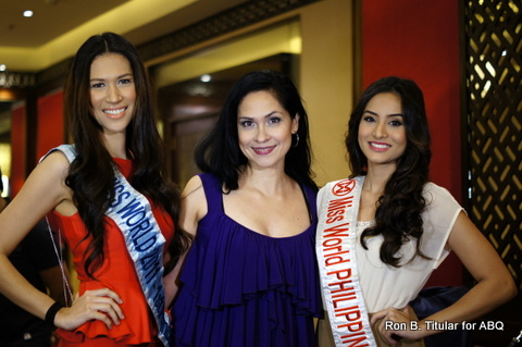 ABQ Blog Author in the middle with Miss World 1st Princess 2011 Gwendoline Ruais (left) and Queenierich Rehman finalist in Miss World 2012