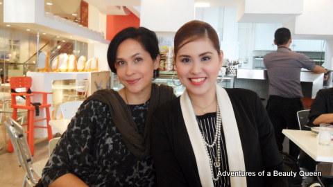 Joyce x 2 !!! ABQ Blog Author Joyce Burton Titular (left) with Mrs. Philippines Globe 2012 Joyce Agsaway