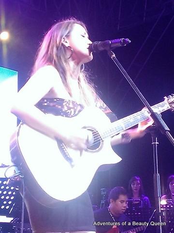 Julianne Tarroja sings. I zoomed in using my HTC 8x.