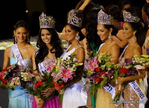 Bb. Pilipinas 2013 winners - L-R  Pia Wurtzback (Runner-up), Cindy Miranda (Tourism), Ariella Arida (Universe), Bea Santiago (International) and Mut
