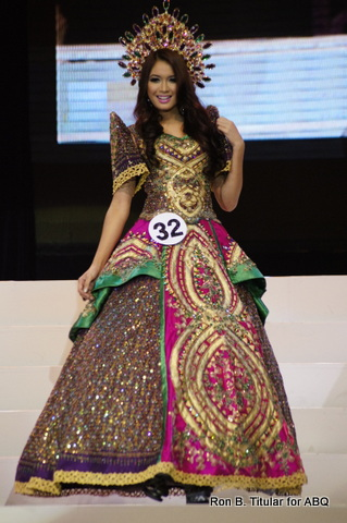 Best in National Costume MTWP 2013 Alyssa Lagahino