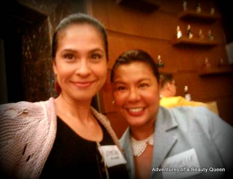 Blog Author Joyce  Ann Burton (left) with Michelle Bautista, Mutya ng Pilipinas Miss Photogenic 1986... she is now married to businessman Noel Tanada...