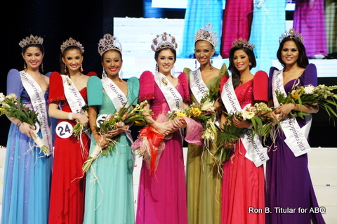 Court of Winners of Miss Tourism World Philippines 2013 - L-R Jeriza Saulog (Luzon), Cristlet Rose Gerona (Mindanao), Sherry Rose Guanga (Bride of the World Philippines 2013),  Aiyana Mickiewicz (main winner - Miss Tourism World Philippines 2013), Elle Hollman (Model of the World Philippines 2013),  Ramona Yamat (Visayas) and Czarina Rose Rosales (NCR)