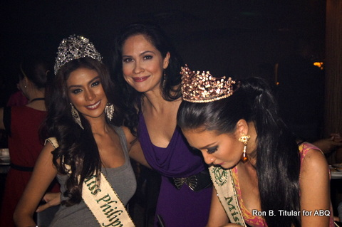 Kimverlyn Suiza of Nagcarlan signs her first autograph as Miss Earth - Air Philippines 2013 while Miss Philippines Earth 2013 winner Angelee Claudett delos Reyes and I pose for the cam...