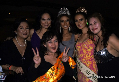 Party Girls! Back Row L-R - Peachy Veneration, me, Angelee Claudett delos Reyes, Kimverlyn Suiza and Amelia dela Cruz