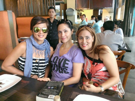 L-R- Izza Gonzales, blog author Joyce Ann Burton and Glenah Slaton