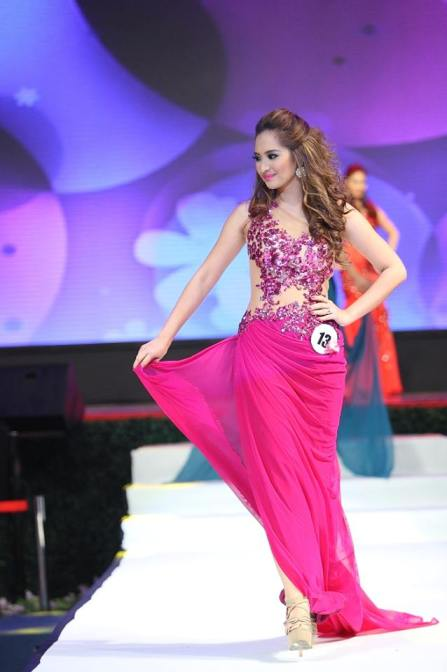 Steph Malibiran on the catwalk at Mrs. Asia International 2013! Thanks to Missosology for the photo!