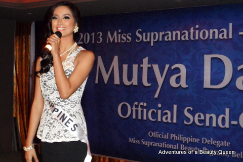 Now it's Mutya Datul's turn to address the guests at her sendoff and answer questions from the Press...