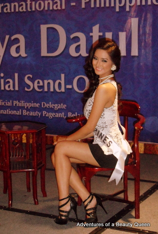 Mutya Datul... prim and proper...