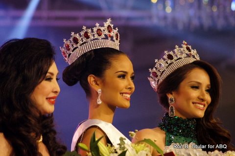 L-R - National Directress for Miss World Philippines Cory Quirino, newly crowned Miss World Philippines 2013 Megan Young and last year's queen, Queenierich Rehman