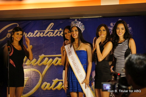 2) Mutya Datul gets up on stage as she basked in the delight of the audience which was cheering her victory