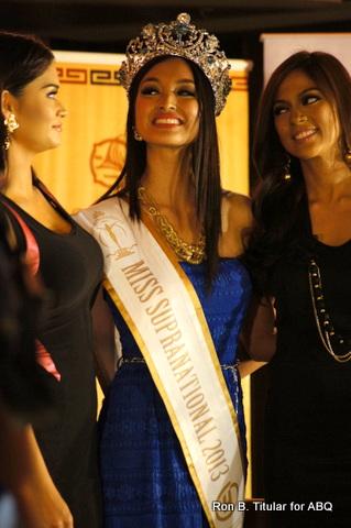 6) Bb. Pilipinas Universe 2013 Ara Arida (right) with Mutya and Pia Wurtzbach