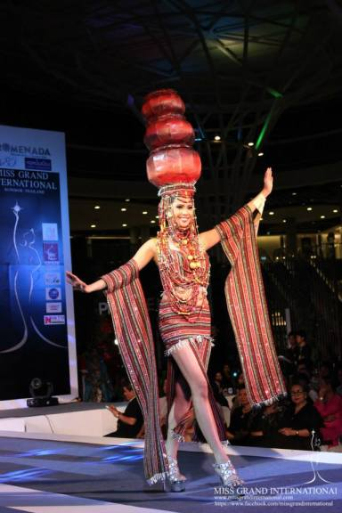 Ali Forbes' National Costume presentation was a favorite in Miss Grand International 2013