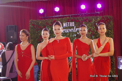 All these lovely models are wearing jewelry from Metro Jewelry in Metro Dept. Store, Market! Market! The sale is from Dec 9 - 29, 2013!