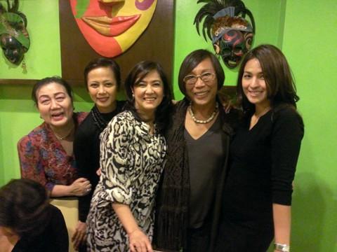 Tita Patty, Izza Gonzales, Dang Cecilio, Mama Renee Salud and Gladys Duenas