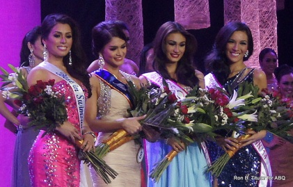 2nd set of Special Awards - L-R - MJ Lastimosa (Best in Swimsuit), Pia Wurtzbach (Miss PAL and Jag Award), Yvethe Santiago (Miss Cream Silk), Bianca Guidotti (Best in Evening Gown)