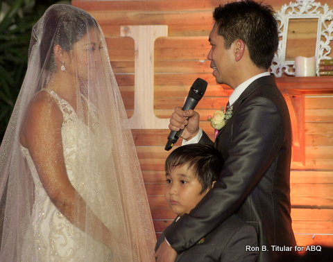 Ardy Roberto making his nuptial vows to Miriam Quiambao as his son Joshy inserts himself into the picture, LOL!