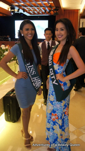 Diane Querrer of Tanauan (left) with Davao City's Janelle Tee