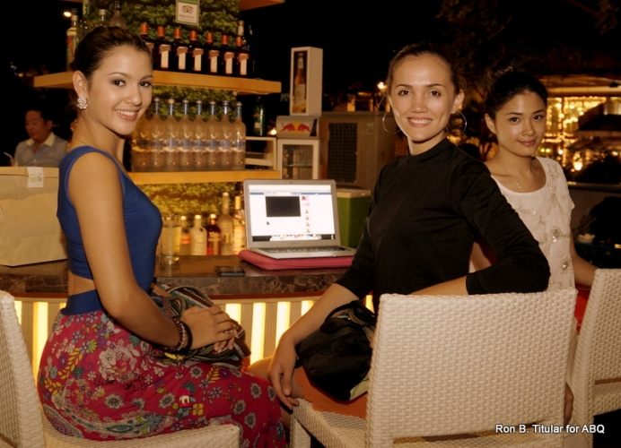 Jamie Herrel (left) with bff Kim Covert (middle) and a friend. Both Jamie and Kim are Miss Philippines Earth titleholders. Jamie holds the main title while Kim is runner-up with the Miss Philippines Earth-Water elemental title.