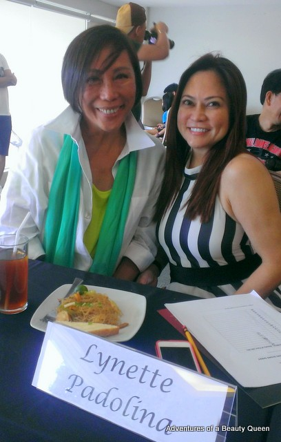Mama Rene Salud and Lynette Padolina... screening judges!