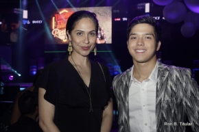 ABQ (that's me) with actor Elmo Magalona at the recent Yahoo Awards at the SMX Convention Center...