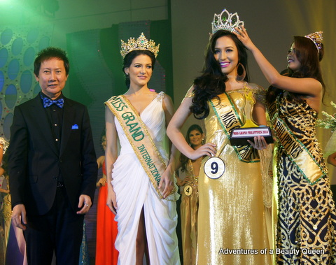L-R - Miss Grand Int'l pageant director Mr. Nawat Itsaragrasi, Miss Grand Int'l 2013 Janelee Chaparro, Miss Grand Phils 2014 Kim Karlsson and Miss Grand Int'l 2013 3rd RU Ali Forbes