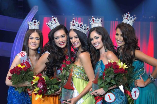 Miss World Philippines 2014-Valerie Weigmann (middle), 3rd Princess Nicole Kim Donesa, 2nd Princess Nelda Ibe, 1st Princess Lorraine Kendrickson and 4th Princess Rachel Louise Peters. Photo by Teddy Pelaez