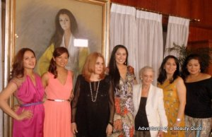 Stella Marquez Araneta (in black, 3rd from the left) with her top, internationally acclaimed beauties - L