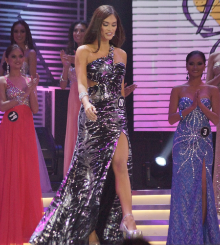 Pia Wurtzbach is called forward as Miss Creamsilk in Bb. Pilipinas 2015