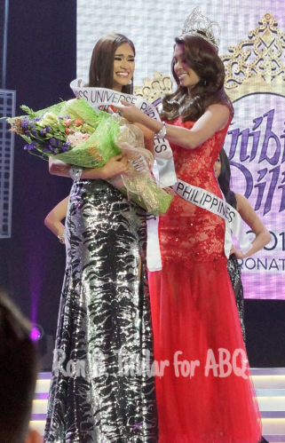 Pia Wurtzbach gets the Miss Philippines Universe 2015 sash first...